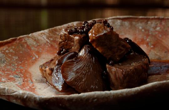 牛とあわび茸の旨煮